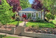 1300 Queen Anne Medford OR, 97504