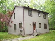 134 Oakenshield Drive Tamiment PA, 18371