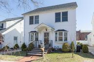 29 Astor Pl Williston Park NY, 11596