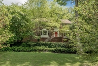 8 Cromwell Dr Chester NJ, 07930