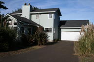 465 Sw Edgewater Depoe Bay OR, 97341