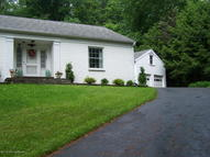 1657 N Abington Road Waverly PA, 18471