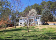 719 Pleasant Valley Dr Sevierville TN, 37862