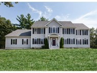 28 Maple Ln Chester NH, 03036