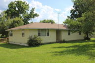 206 East Summit Street Seymour MO, 65746