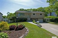 176 Overlook Dr East Islip NY, 11730
