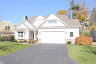 214 Cater Lane Libertyville IL, 60048