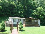 13 Laugherty'S Fork Rd West Union WV, 26456