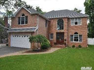 62 Lindenmere Dr Merrick NY, 11566