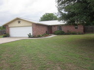 210 Meadow Ln Martindale TX, 78655