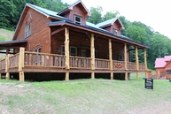 890 Cabin Rd. Chapmanville WV, 25508