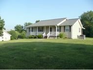 125 Carriage Lane Blountville TN, 37617