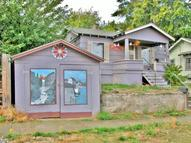 318 W 11th St The Dalles OR, 97058