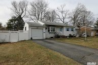 5 W Haven Dr East Northport NY, 11731