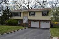 10 Canalview Dr Center Moriches NY, 11934