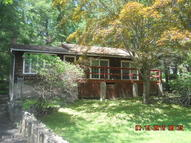 207 Aspen Rd Dingmans Ferry PA, 18328