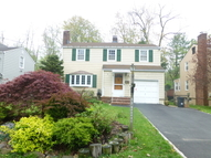 55 Burnet St Livingston NJ, 07039