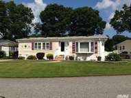 1661-383 Old Country Rd Riverhead NY, 11901