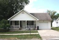 402 S 4th St Gower MO, 64454