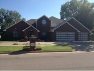 1810 Pine Weatherford OK, 73096