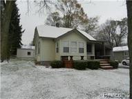 5516 Oster Waterford MI, 48327