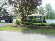296 Mountaindale Rd Greenville RI, 02828