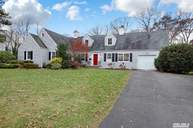 295 Lakeview Ave Brightwaters NY, 11718