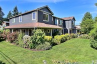 404 Sw 200th St Normandy Park WA, 98166