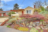 1312 N 79th St Seattle WA, 98103