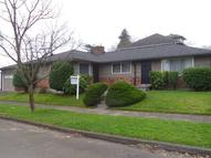 304 Ne Highland St Portland OR, 97211