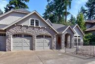 5665 Summit St West Linn OR, 97068