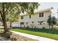 325 Quenby Place Stratford CT, 06614