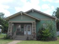 305 E 6th St Cushing OK, 74023