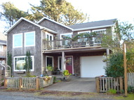 163 W Washington Cannon Beach OR, 97110