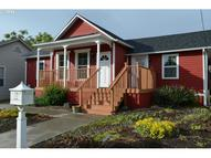 317 W 4th St The Dalles OR, 97058