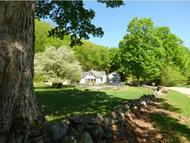 25 Woodlands Ln Newfane VT, 05345