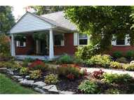 8880 Rosewood Ln Indianapolis IN, 46240
