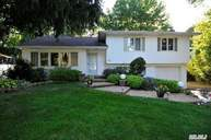 40 Simpson Dr Old Bethpage NY, 11804