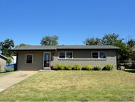 609 Sw 15th Moore OK, 73160