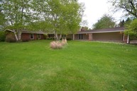 15 West Surrey Lane Barrington IL, 60010