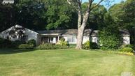 6 Woodmere Dr Northport NY, 11768
