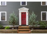 24 Holmes Ct Portsmouth NH, 03801