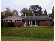 1712 Ashstan Walled Lake MI, 48390
