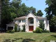 61 Meadow Woods Rd Lake Success NY, 11020