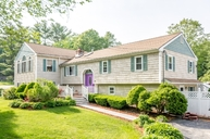 30 Lane Pelham NH, 03076