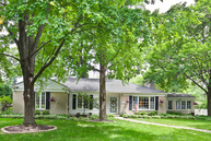 1003 Forest River Forest IL, 60305