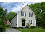 4 Forest St Freeport ME, 04032