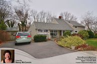 32 Twisting Lane Wantagh NY, 11793