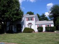 121 Brook Dr Holland PA, 18966