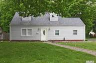 22 Holly Ln Westbury NY, 11590